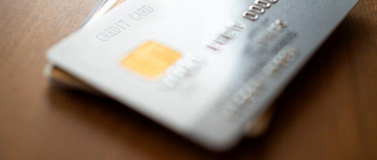 カードローンには消費者金融系と銀行系の2種類がある!